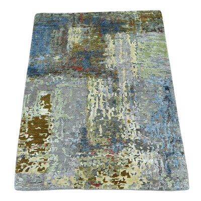 Hi and Lo Abstract Hand-Knotted Silk Light Gray/Blue Area Rug