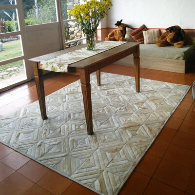 One-of-a-Kind Bellflower Patchwork Hand-Woven Cowhide Off White Area Rug