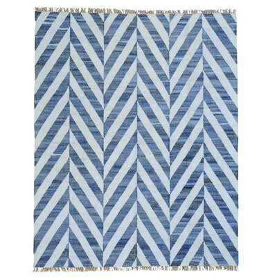 Durie Kilim Oriental Hand-Knotted White/Blue Area Rug