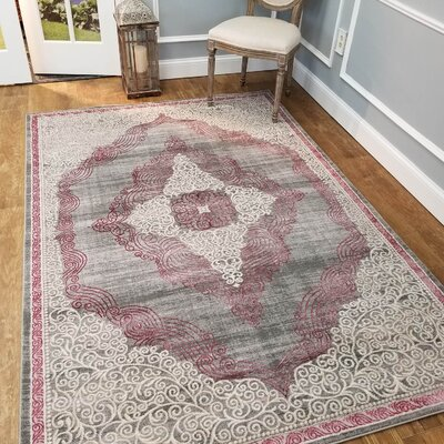 Wintergreen Silky Rose Queen White/Red Area Rug Rug Size: Rectangle 33 x 5