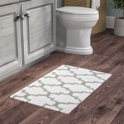 Harriette Bath Rug Size: 36 x 24, Color: White/Gray