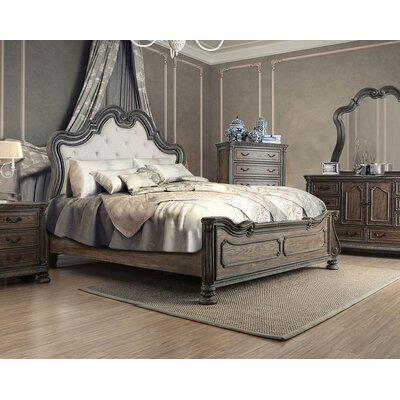 Darvell Upholstered Bed Size: Queen