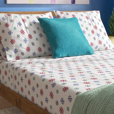 Xander Heavy Weight Snow Flakes Printed Flannel Sheet Set Color: Multi, Size: Queen
