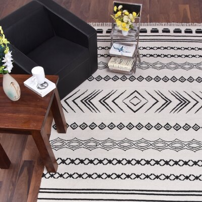 Bohemia Panja Hand-Woven White/Black Area Rug Rug Size: Rectangle 5 x 8
