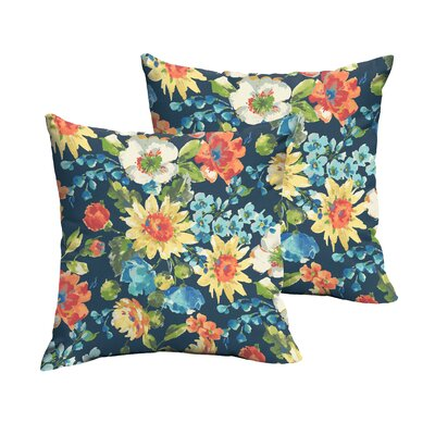 Reagle Indoor/Outdoor Throw Pillow Size: 18 x 18