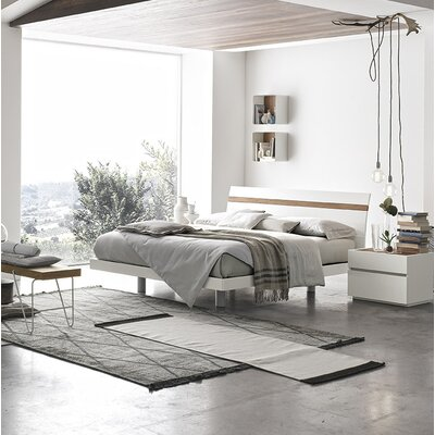 Joker Platform Bed Size: King, Color: Matt White Lacquered