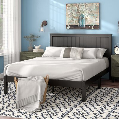 Holstein Wood Cottage Style Platform Bed Size: Queen