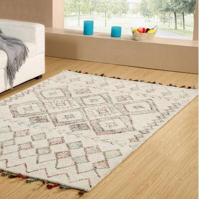 Dundridge Hand-Tufted 100% Wool Ivory/Red Area Rug Rug Size: Rectangle 3 x 5