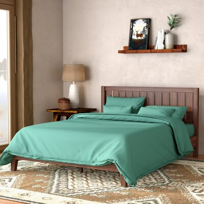 Morgan Hill Wood Platform Bed Size: Queen