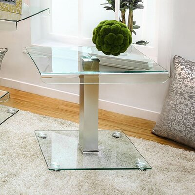 Damaa III End Table