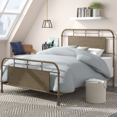 Cassiopeia Platform Bed Size: Queen, Color: White