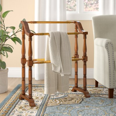 Traditional Wood Quilt Rack