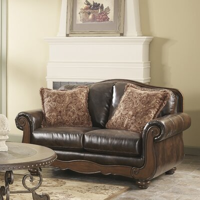 Maytown Loveseat