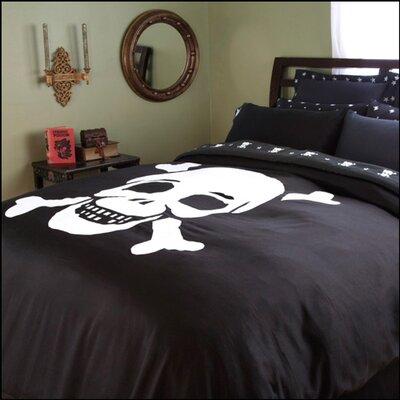 Jolly Roger Flagship Skulls Duvet Cover Size: King