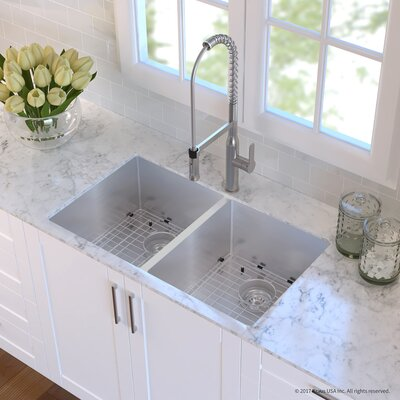 Handmade 16 Gauge Stainless Steel 32.75 x 19 Undermount Kitchen Sink and Faucet Finish: Stainless Steel
