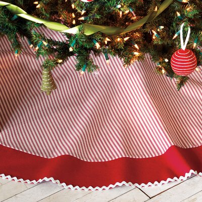 North Pole Tree Skirt Color: Merry LEY-118