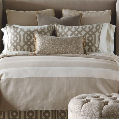 Rayland Polyester Vivo Comforter Size: Super Queen, Finish Type: Button-Tufted