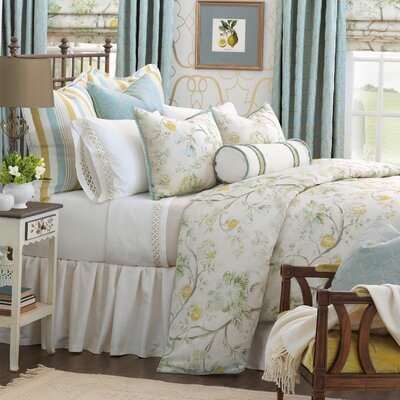 Magnolia Comforter Size: Full, Finish Type: Hand-Tacked