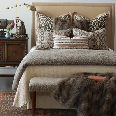 Naya Diamond Comforter Set