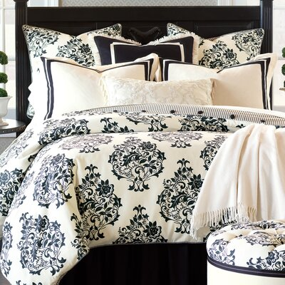 Evelyn Polyester Comforter Size: King, Finish Type: Button-Tufted