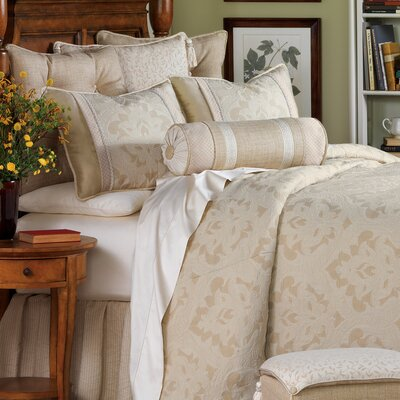 Brookfield Polyester Comforter Size: Super King, Finish Type: Button-Tufted