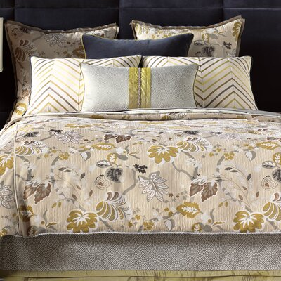 Caldwell Polyester Comforter Size: Super Queen, Finish Type: Hand-Tacked