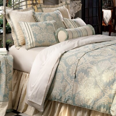 Carlyle Polyester Comforter Size: Queen, Finish Type: Hand-Tacked