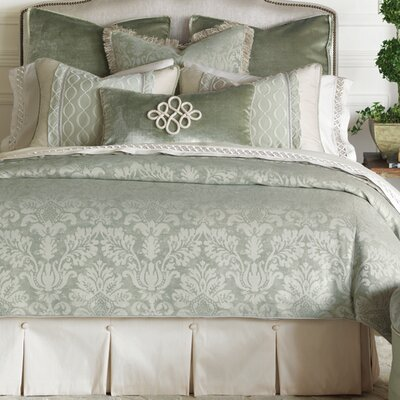 Lourde Celadon Duvet Cover Size: Super Queen