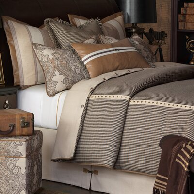 Aiden Woodside Comforter Size: California King, Finish Type: Hand-Tacked