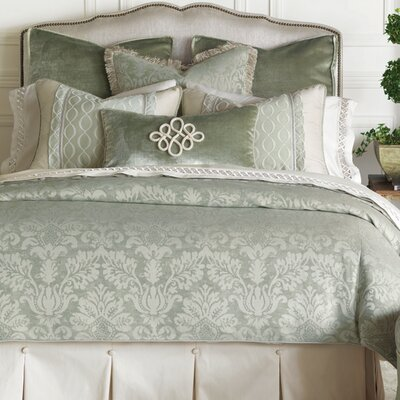 Lourde Celadon Comforter Size: King, Finish Type: Hand-Tacked