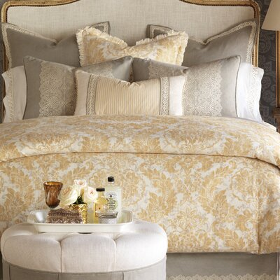 Sabelle Comforter Size: King, Finish Type: Button-Tufted