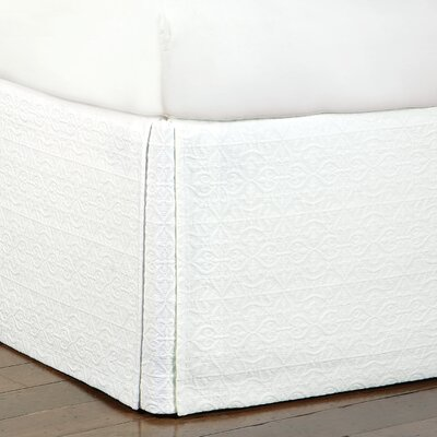 Mea Matelasse Cotton Bed Skirt Size: Queen, Color: White