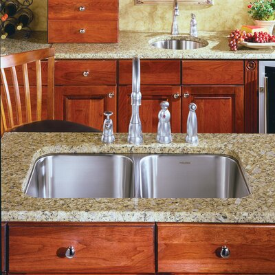 Medallion Classic 31.5 x 17.94 Undermount Double Bowl 50/50 Kitchen Sink