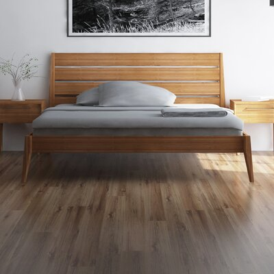 Sienna Platform Bed Size: King, Finish: Caramelized