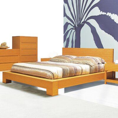 Orchid Platform Bed Size: King, Color: Caramelized