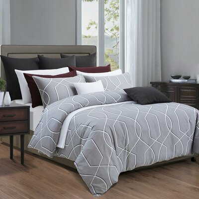Filigree Duvet Cover Set Size: Queen