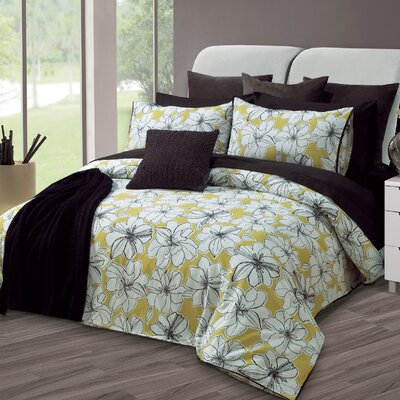 Marguerite Duvet Cover Set Size: Queen