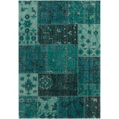 Fusion Patterned Knotted Contemporary Teal Area Rug Rug Size: 79 x 106