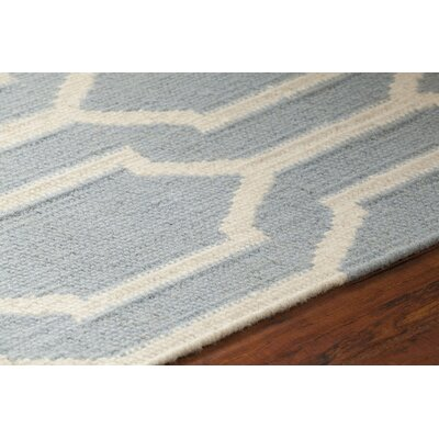 Dacio Patterned Blue/White Area Rug Rug Size: 5 x 76