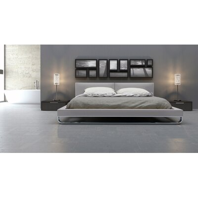 Chelsea Upholstered Platform Bed Finish: Pearl Gray, Size: Queen