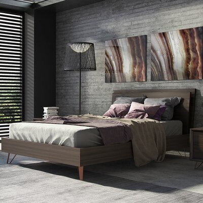 Grand Platform Bed Size: King