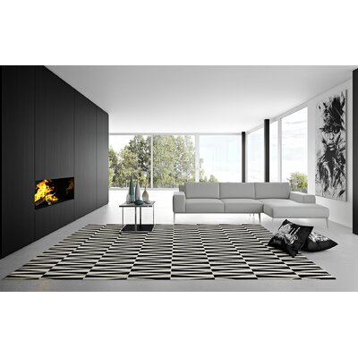 Magna Cowhide Hand-Woven Gray/Black Area Rug Rug Size: Triangle 8 x 10