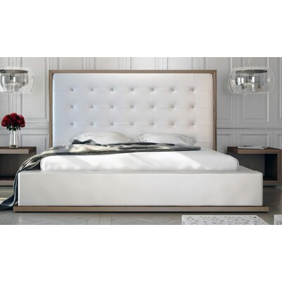 Modloft Ludlow Bed - Cal-King in Walnut / White Leather