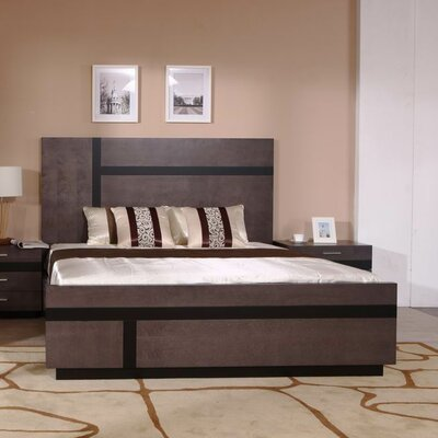 Tucana Platform Bed Size: King