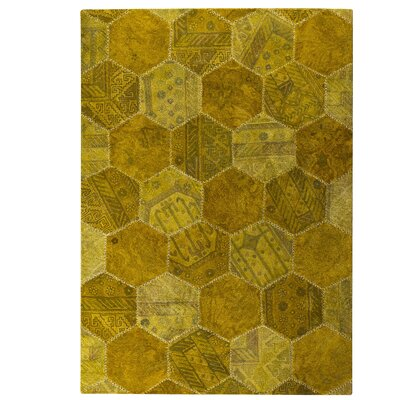 Honey Comb Siena Gold Area Rug Rug Size: 66 x 96