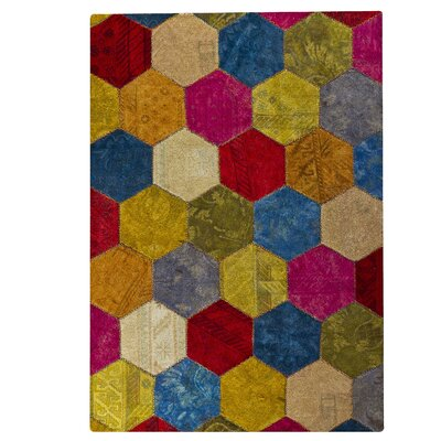 Honey Comb Siena Red Area Rug Rug Size: 52 x 76