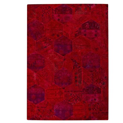 Honey Comb Siena Red Area Rug Rug Size: 66 x 96