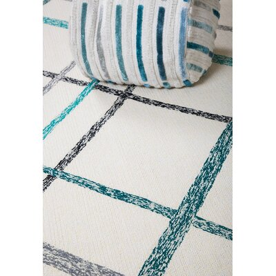 Lienzo Hand-Tufted Ivory/Turquoise Indoor/Outdoor Area Rug Rug Size: 9 x 12