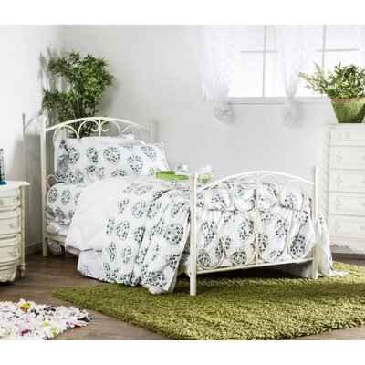 Twin Platform Bed Color: White