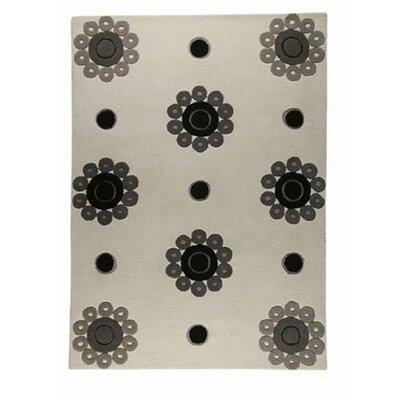 Como White/Grey Area Rug Rug Size: Rectangle 66 x 99